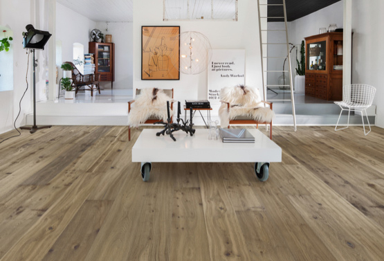 Helles Parkett macht Räume groß | HolzLand Stoellger in Langenhagen
