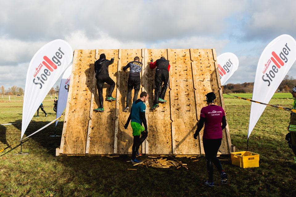 Unser selbst erbautes Hindernis | HolzLand Stoellger in Langenhagen
