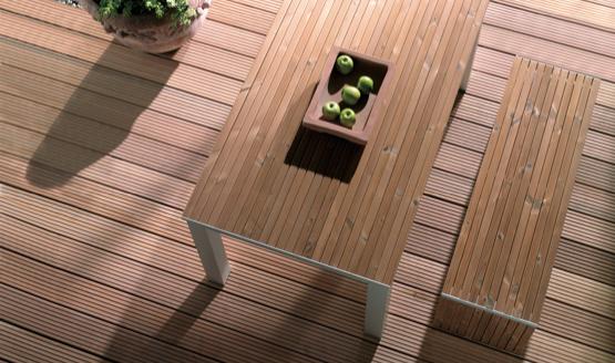 Rutschhemmende Terrassendielen aus Holz | HolzLand Stoellger in Langenhagen